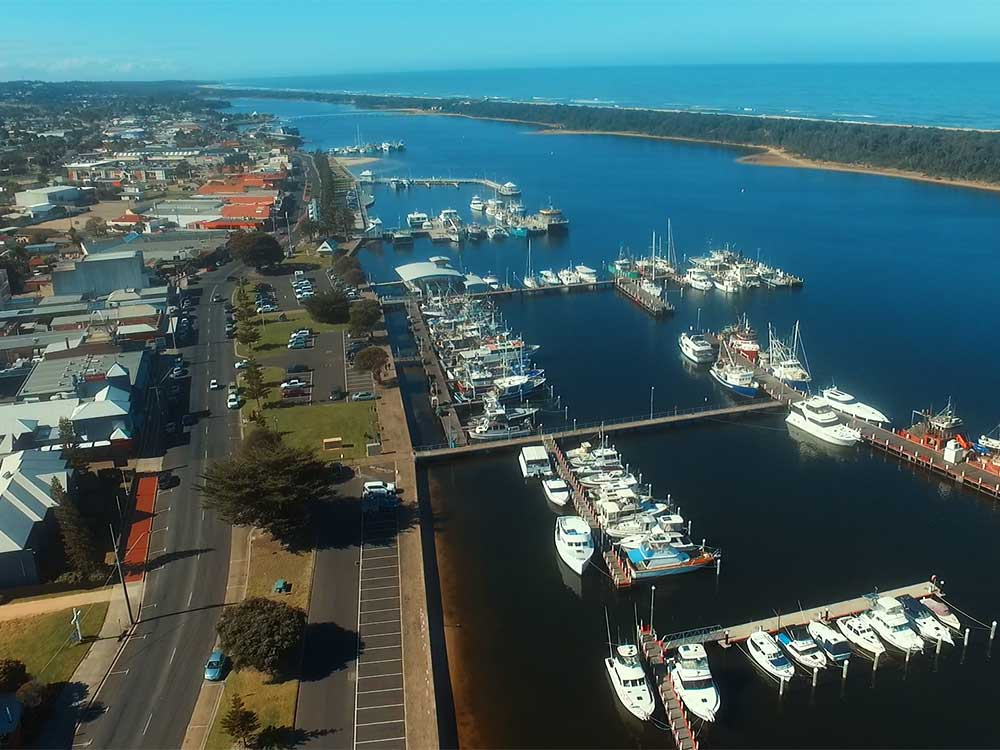 lakes entrance tourism